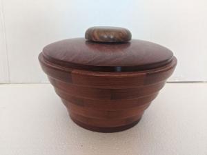 Large Urn (Babinga/Walnut) by Bev Redden